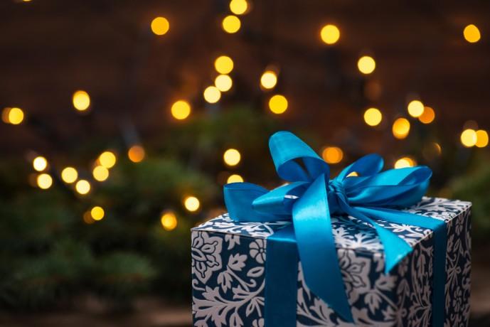 クリスマスにハンカチをプレゼント