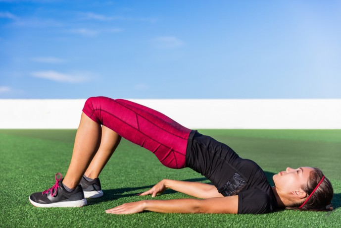腹筋を鍛える筋トレであるヒップアップリフト