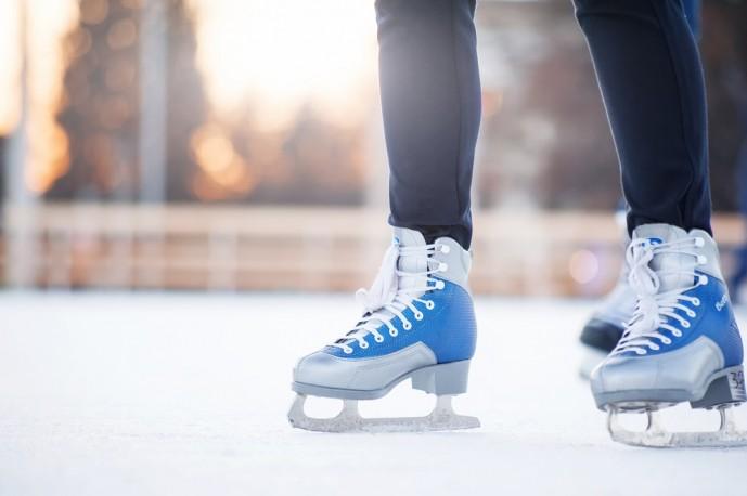 クリスマスにスケートデート