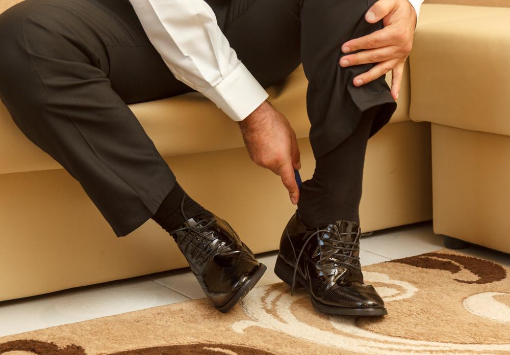 携帯用靴べらでいつでも靴を守る