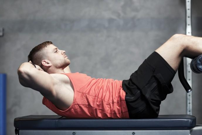 腹筋を効果的に鍛えられるニーレイズのやり方