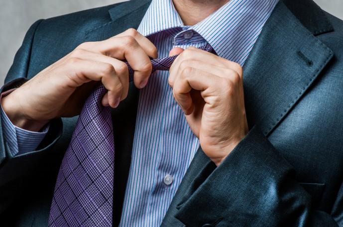 ネクタイを緩める瞬間にキュンとする