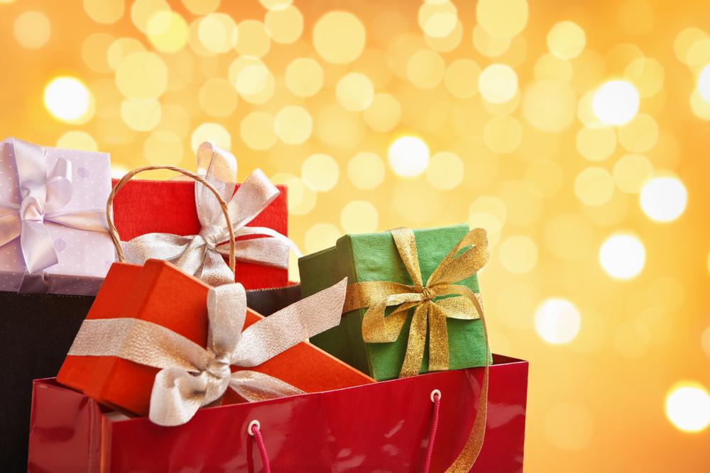 彼女へのクリスマスプレゼントにおすすめなバッグ