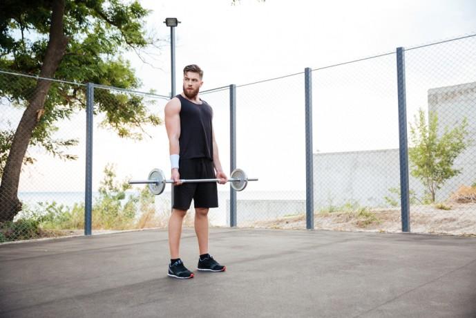 背筋の効果的な筋トレ方法であるバーベルトレーニング