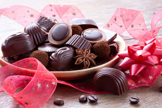 女友達にクリスマスプレゼント贈りたいチョコレート・紅茶