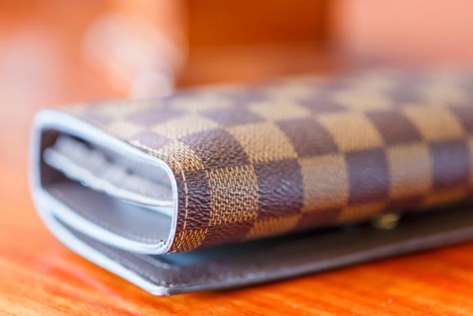 20代妻のクリスマスプレゼントに贈る財布