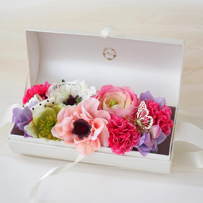 30代の妻のクリスマスプレゼントに贈るメリアルームの花のギフト