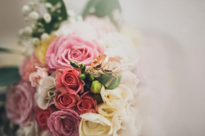 クリスマスは奥さんに花束を贈る