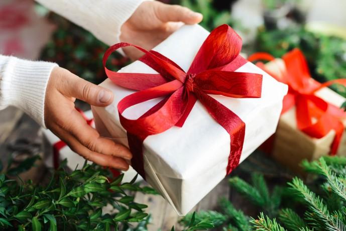 クリスマスプレゼントを40代・50代妻に贈る