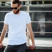 メンズの白Tシャツコーデ