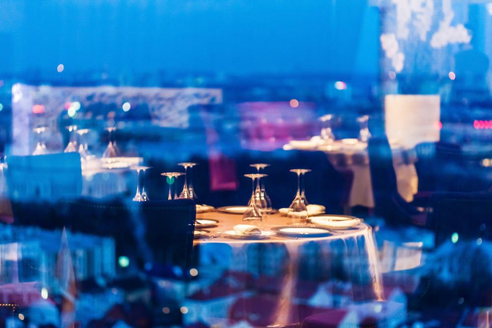 横浜の夜景ディナー9. モーションブルー横浜