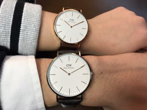 ペアウォッチが魅力な革ベルトを付けたダニエルウェリントンの時計
