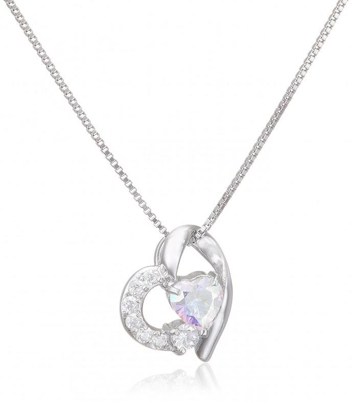 ホワイトデーに贈る10000円以下のルビンローザのネックレス
