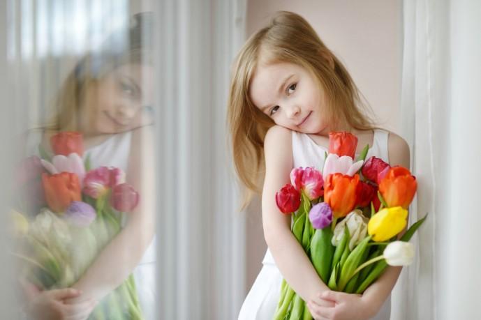 母の日のプレゼントに花以外の贈り物はアリ?