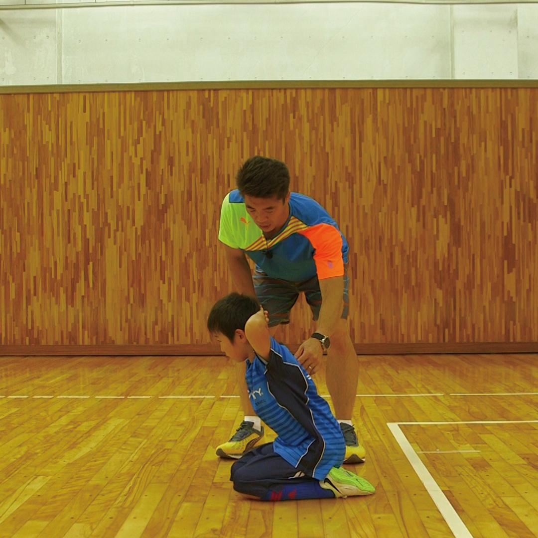 簡単メニューで基礎トレーニング!「背筋運動が苦手なお子さんにもオススメのトレーニング」