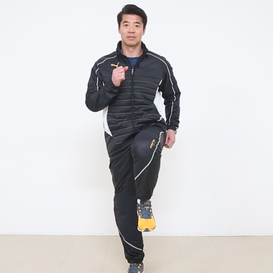 岡崎慎司選手も実践!片脚立ちでバランス力を養うトレーニング3