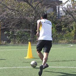 フィニッシュのトレーニング①目的はゴールを奪うこと。素早く判断してシュートを決めよう