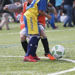 子どもがサッカー中に倒れたら?④胸骨圧迫+AED