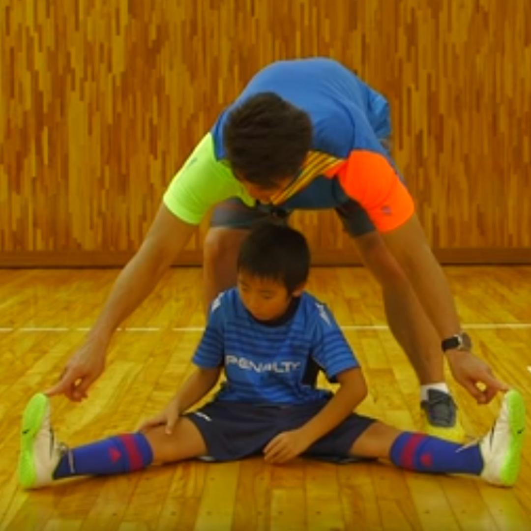 簡単メニューで基礎トレーニング!「股関節の柔軟性のための開脚ストレッチ」