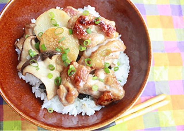 サカママレシピ ―照り焼きチキンと長いものスタミナ丼―