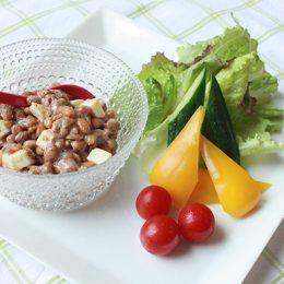サカママレシピ ―納豆とチーズの梅風味ディップ―