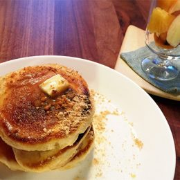 サカママレシピ ―きな粉でグレードアップ!ホットケーキ―