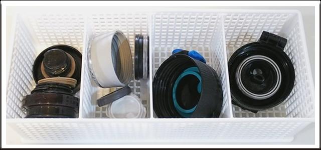 水筒の蓋とパッキンを収納