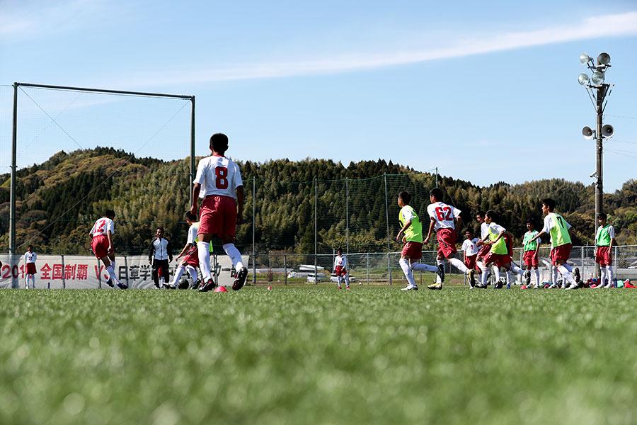 第49回全国中学校サッカー大会優勝校・日章学園中学校の花房監督に聞く「伸びる選手が行う6つの考え方」