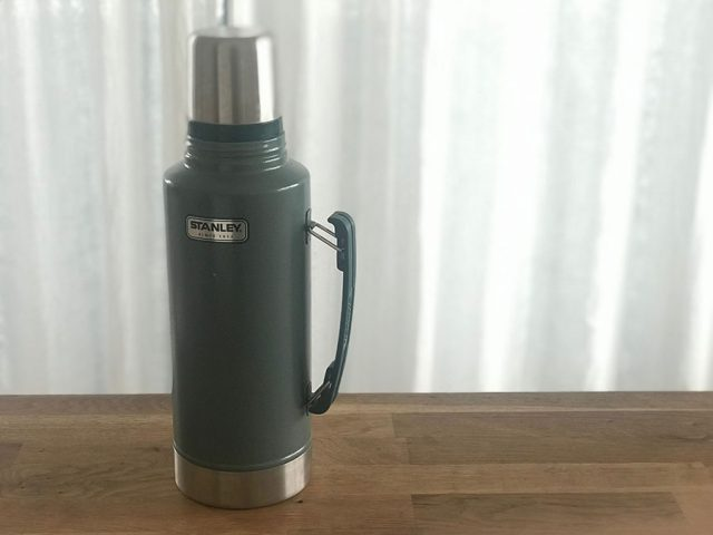 保冷機能のある大きな水筒