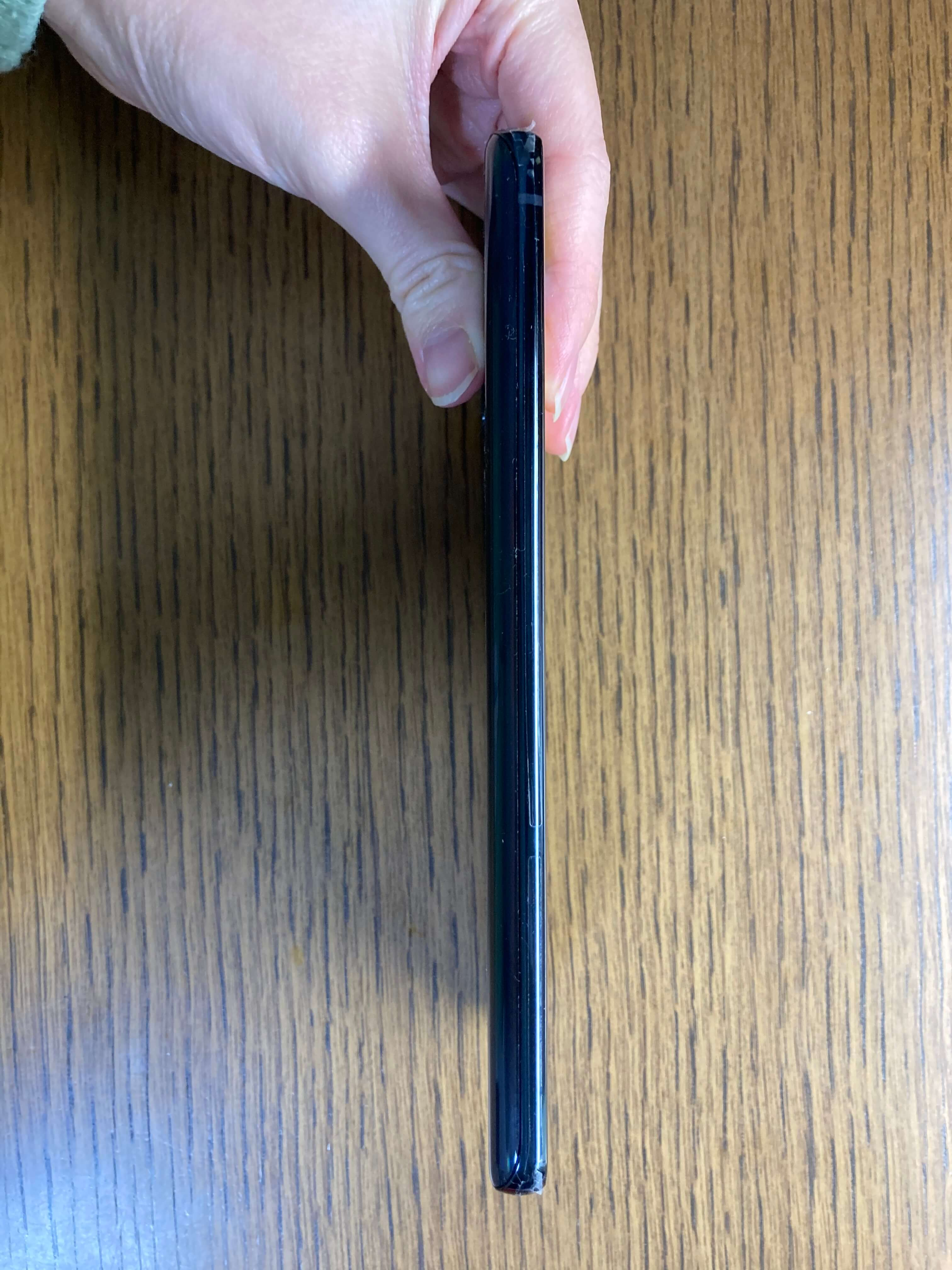 Galaxy A51 5Gの左側面