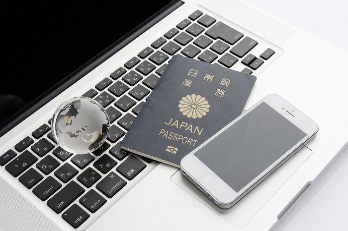 海外旅行先でのインターネット使用イメージ