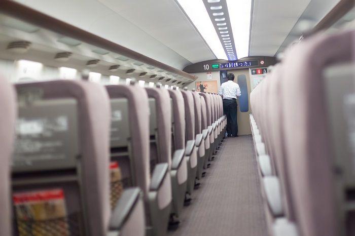 新幹線車内イメージ