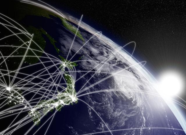 地球に飛び交う光回線の様子