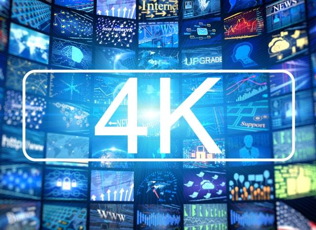 4Kの文字と複数のメディア