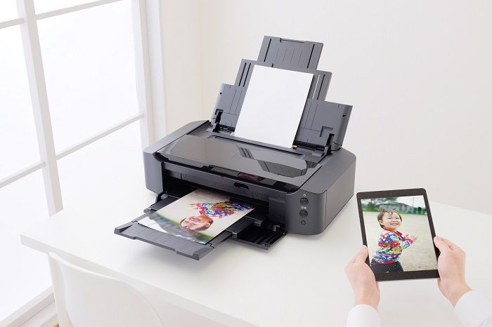 Wi-Fi対応のプリンタを使って離れた場所から印刷