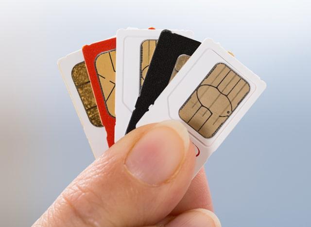 複数のSIMカードを持つ人