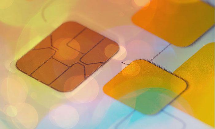 SIMカードの故障・破損を疑う