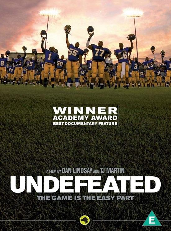 「アンディフィーテッド 栄光の勝利」は、問題児だらけのアメフト部を鬼コーチが指導する映画