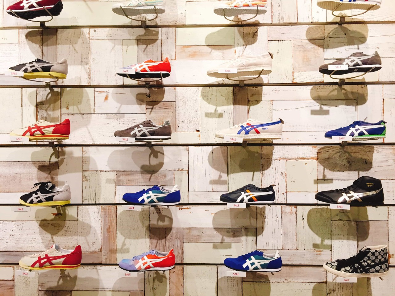 Eyecatch running shoes for beginners