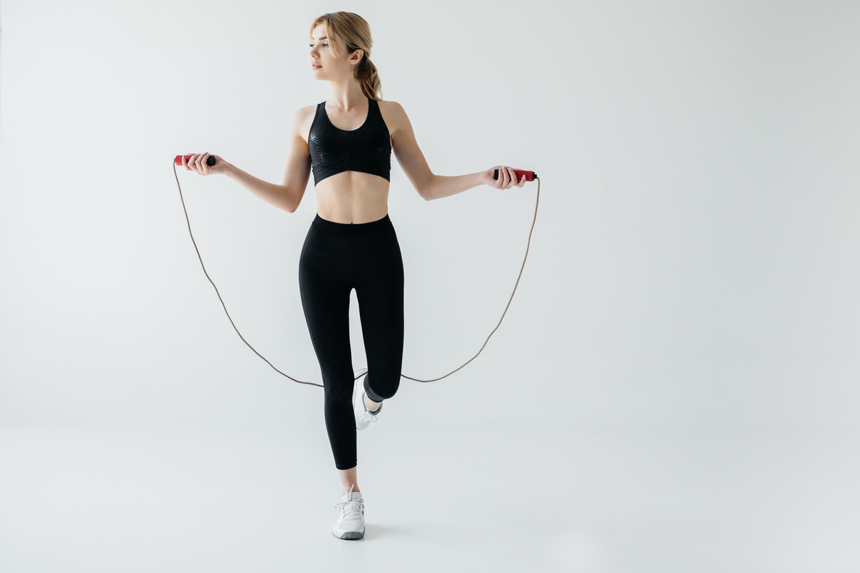 Sports spoit eyecatch beginner woman jumping rope