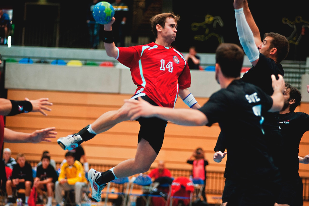 Sports spoit eyecatch handball rule