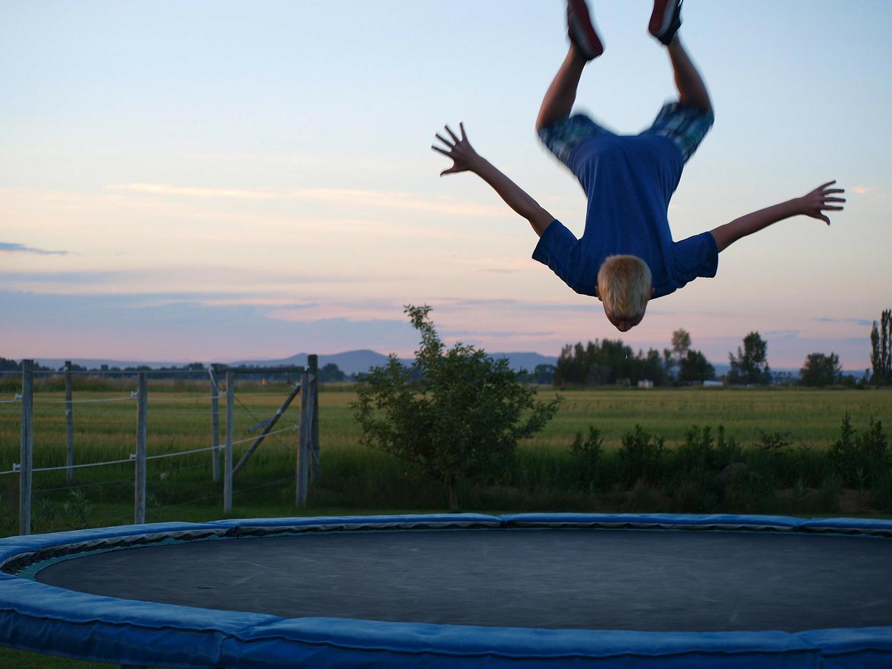 Sports spoit eyecatch trampoline rule