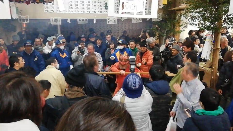 東栄町の花祭りの山見鬼の舞い: 伝統芸能づくしの新春オニオニパニック弾丸ツアー(1月2日篇の1)