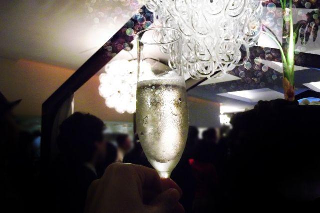 何故シャンパンはあんなに高いのか?