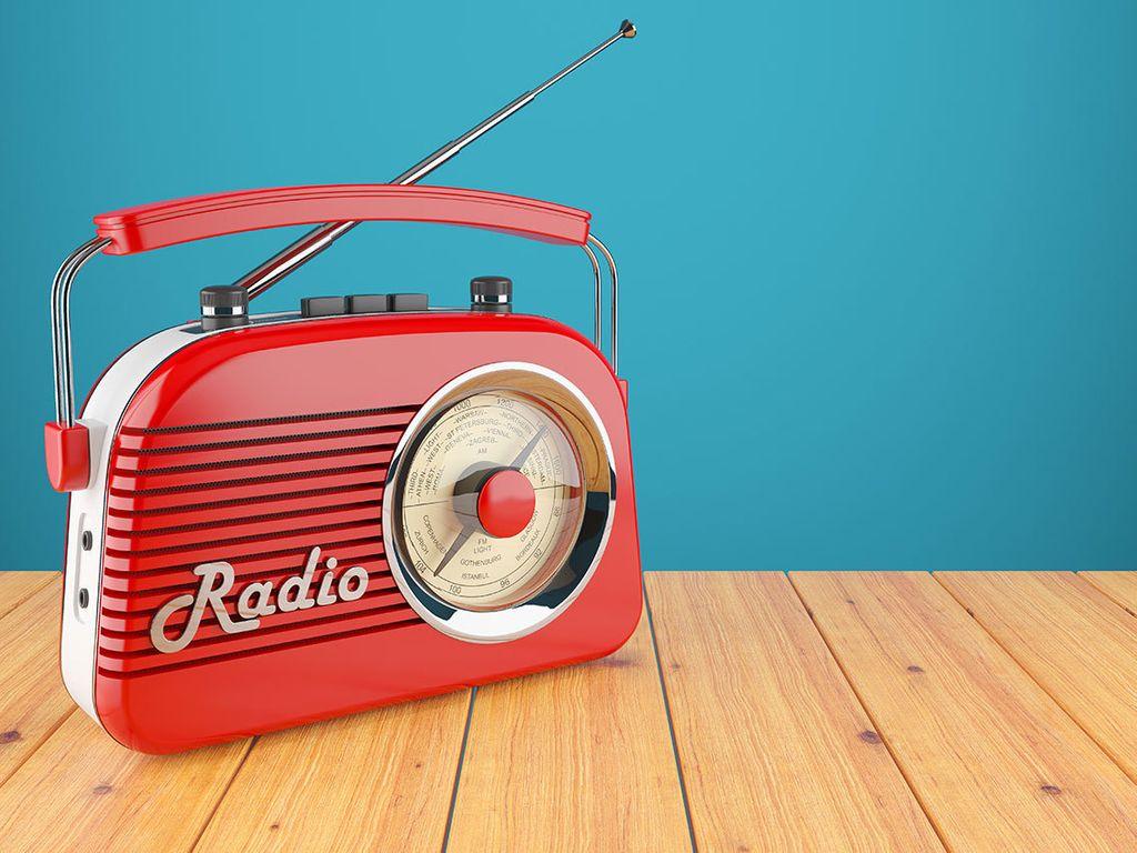 ラジオを聞く