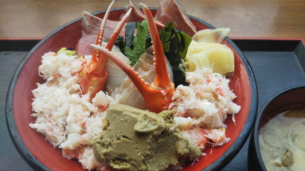 金沢の名所情報🍚カニ🦀お魚🐟ラーメン🍜寿司🍣洋食🥘パフェ🍨などなど‼️美味しいものいっぱい‼️