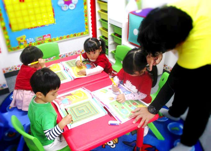 築地・銀座・新富町の英語プリスクール/英語幼稚園・保育園・英語学童・アフタースクール サンシャインキッズアカデミーの書く力を育む時間