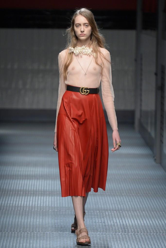 「グッチ」2015,16年秋冬ミラノ イタリアのファッション観を揺るがす大転換