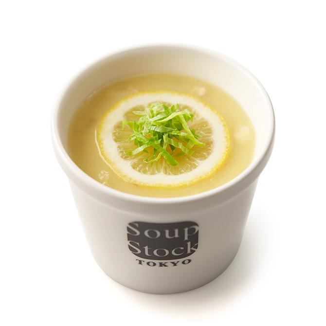 芸術家のレモンと鶏肉のスープ