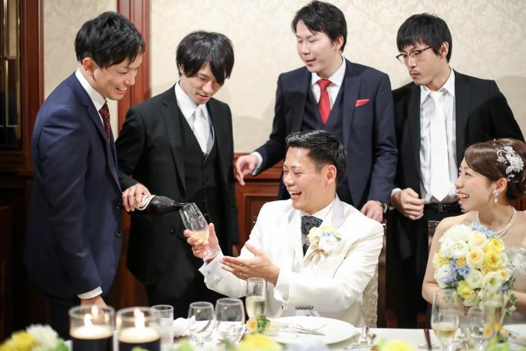 結婚式 ゲストと新郎